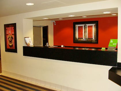 Lobby and Guest Check-in   Extended Stay America - Princeton - South Brunswick