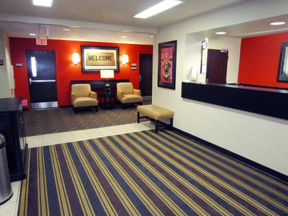 Lobby and Guest Check-in | Extended Stay America - Tampa - North - USF-Attractions