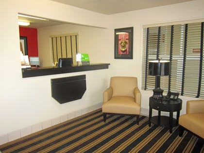 Lobby and Guest Check-in | Extended Stay America Sacramento - White Rock Road