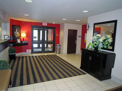 Lobby and Guest Check-in | Extended Stay America - Nashua - Manchester