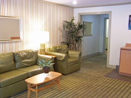 Lobby and Guest Check-in   Extended Stay America-Daytona Beach-International Speedway