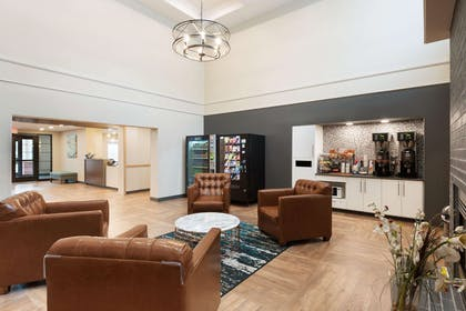 Lobby and Guest Check-in | Extended Stay America - Charlotte - Pineville - Pineville Matthews Rd