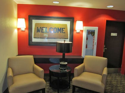 Lobby and Guest Check-in | Extended Stay America Fort Lauderdale - Plantation