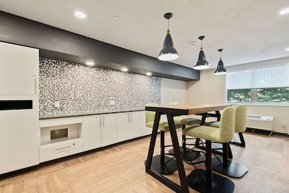 Breakfast Room | Extended Stay America Miami - Coral Gables