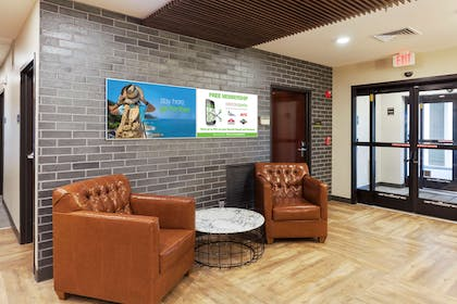Lobby and Guest Check-in | Extended Stay America - Miami - Airport - Doral - 25th St