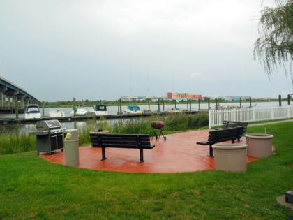 Picnic Area | Extended Stay America Secaucus - Meadowlands