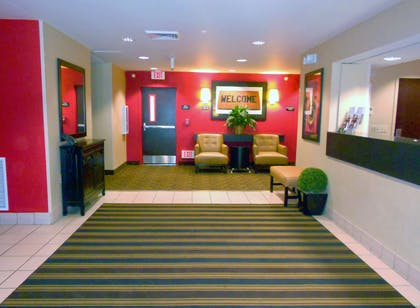 Lobby and Guest Check-in | Extended Stay America Champaign - Urbana