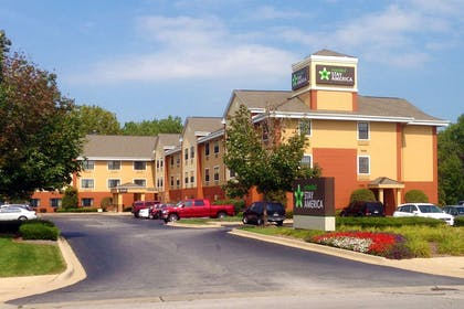 Exterior | Extended Stay America Chicago - Lansing