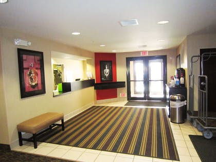 Lobby and Guest Check-in | Extended Stay America - Columbus – NE I-270
