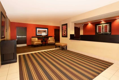 Lobby and Guest Check-in | Extended Stay America Chicago - Romeoville