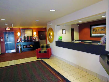 Lobby and Guest Check-in | Extended Stay America Columbus - Worthington