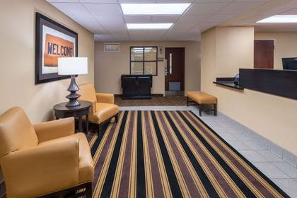Lobby and Guest Check-in | Extended Stay America -Cleveland -Beachwood -Orange Place -N