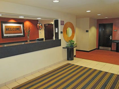 Lobby and Guest Check-in | Extended Stay America - Dallas - Greenville Ave.