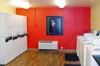 On-Premise Guest Laundry | Extended Stay America Houston - Galleria - Westheimer