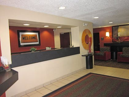 Lobby and Guest Check-in | Extended Stay America Houston - NASA - Johnson Space Center