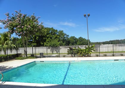 Swimming Pool | Extended Stay America - Houston - I-45 North