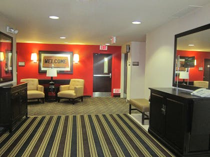 Lobby and Guest Check-in | Extended Stay America Seattle - Bothell - West