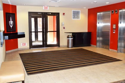 Lobby and Guest Check-in | Extended Stay America Denver - Park Meadows