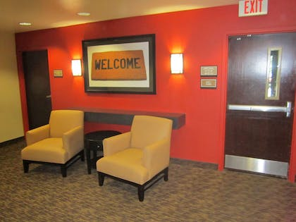 Lobby and Guest Check-in | Extended Stay America Orange County - John Wayne Airport