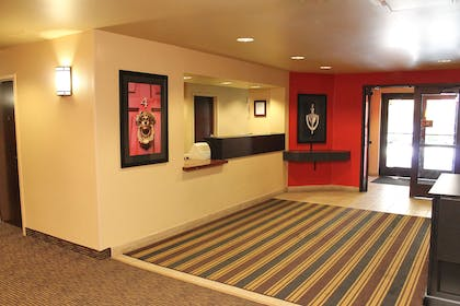Lobby and Guest Check-in   Extended Stay America Temecula - Wine Country