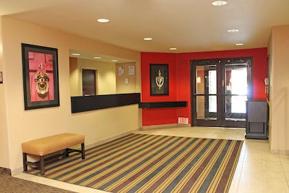 Lobby and Guest Check-in   Extended Stay America - Los Angeles - Chino Valley