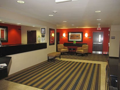 Lobby and Guest Check-in | Extended Stay America Los Angeles - Simi Valley