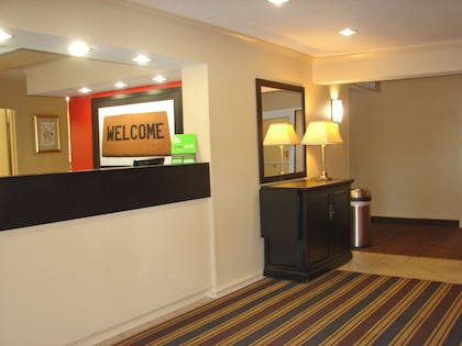 Lobby and Guest Check-in | Extended Stay America Norwalk - Stamford