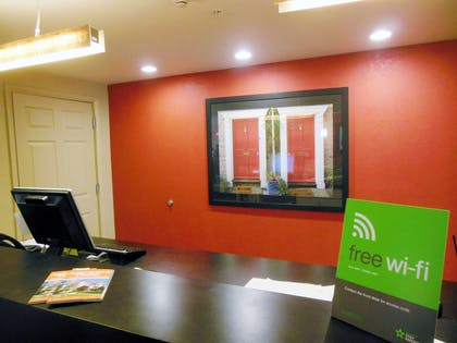 Lobby and Guest Check-in | Extended Stay America - Secaucus - New York City Area