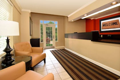 Lobby and Guest Check-in | Extended Stay America - Raleigh-Research Triangle Park-Hwy55
