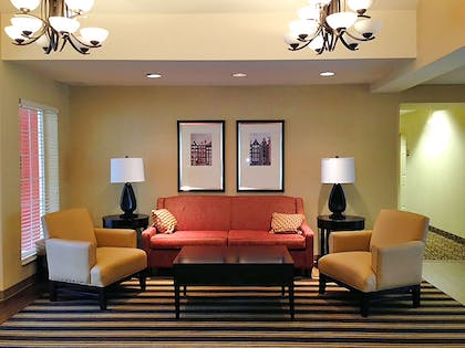 Lobby and Guest Check-in   Extended Stay America - Cincinnati - Blue Ash - Reed Hartman