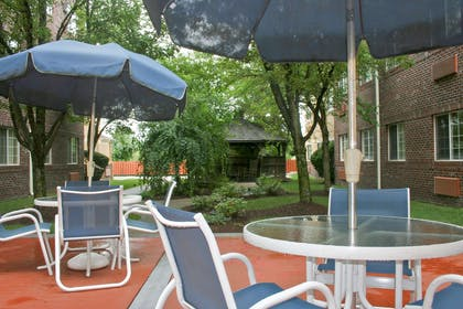 Picnic Area | Extended Stay America - Providence - Airport