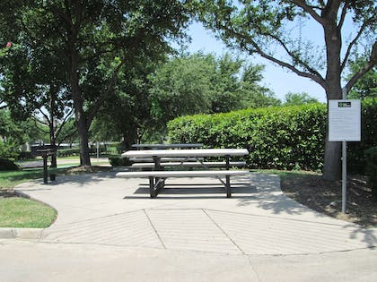 Picnic Area | Extended Stay America - Dallas - Las Colinas - Carnaby St.