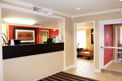 Lobby and Guest Check-in   Extended Stay America Houston - Galleria - Uptown