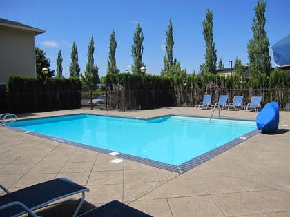 Swimming Pool | Extended Stay America Portland - Hillsboro