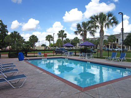 Swimming Pool | Extended Stay America Houston - NASA - Bay Area Blvd.