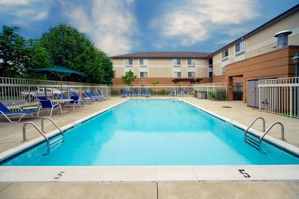 Swimming Pool | Extended Stay America - Phoenix - Biltmore