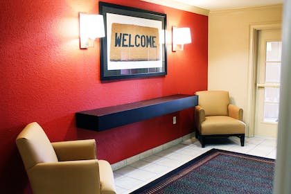 Lobby and Guest Check-in | Extended Stay America - Chesapeake - Churchland Blvd.