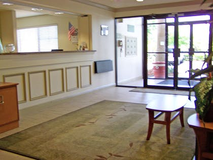 Lobby and Guest Check-in   Extended Stay America - Melbourne - Airport