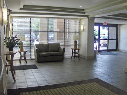 Lobby and Guest Check-in   Extended Stay America - Atlanta - Gwinnett Place