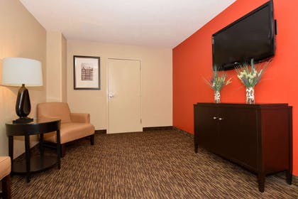 Lobby and Guest Check-in   Extended Stay America - Akron - Copley - West