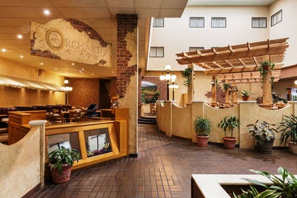 WIPAPER Lombardi Steakhouse | Red Lion Hotel Paper Valley