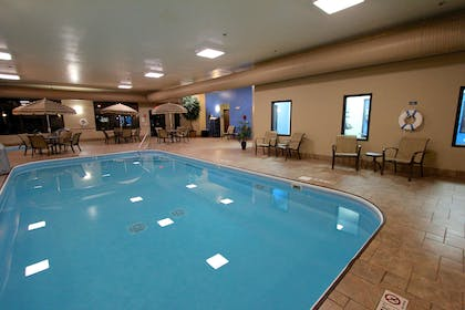 Pool - indoor | Baymont Inn & Suites by Wyndham Findlay