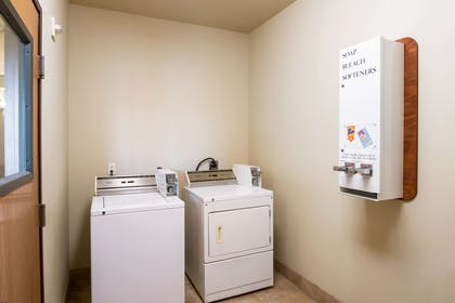Guest laundry facilities | Econo Lodge Inn & Suites Bridgeport