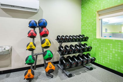 Health club | La Quinta Inn & Suites by Wyndham Buffalo Amherst