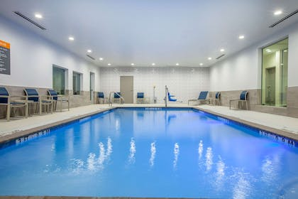 Pool - indoor | La Quinta Inn & Suites by Wyndham Dallas Duncanville