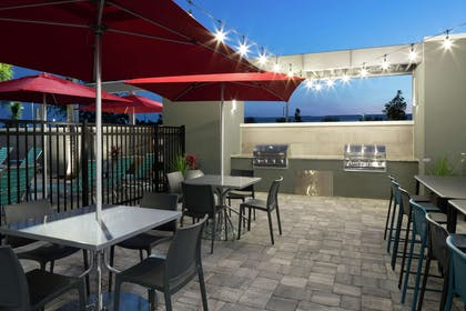 Restaurant | Home2 Suites by Hilton Orlando Airport