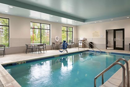 Pool | Hampton Inn & Suites Cranberry Pittsburgh