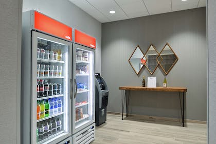 Restaurant | Home2 Suites by Hilton Tampa Downtown Channel District
