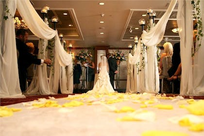 Bride And Groom At The Altar | Westminster Hotel
