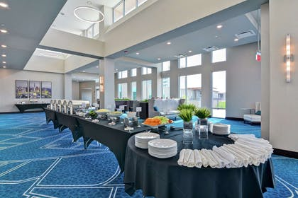 Restaurant | Embassy Suites by Hilton Plainfield Indianapolis Airport
